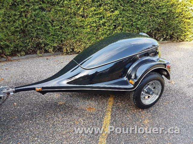 vendre victoriaville remorque pour moto ou petite voiture annonce 247817 petites. Black Bedroom Furniture Sets. Home Design Ideas